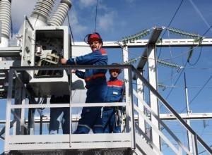 Сегодня «Камышинские межрайонные электросети» намерены отключить от электричества чуть ли не половину третьего городка