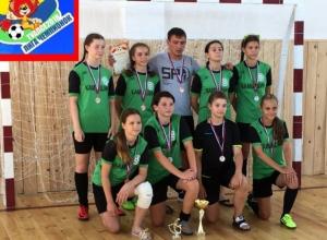 Футболистки из Камышина показали класс на всероссийском турнире - у них бронза