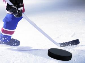 Камышане и волгоградцы выйдут с клюшками на лед в «сталинградском» турнире