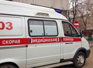 На трассе Камышин - Волгоград столкнулись три машины, в больницу попал пассажир иномарки