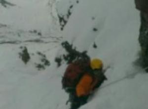 Сегодня спасатели Кабардино-Балкарии весь день искали на Эльбрусе сорвавшегося в расщелину волгоградца