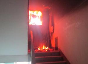В Камышине в 5-этажке загорелась проводка в подъезде