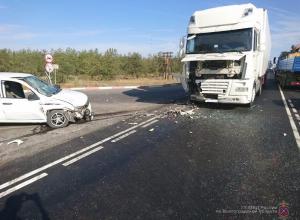 Молодой водитель-ростовчанин на трассе Волгоград - Камышин протаранил «Ладу Калину», итогом стала операционная для водителя «Лады»