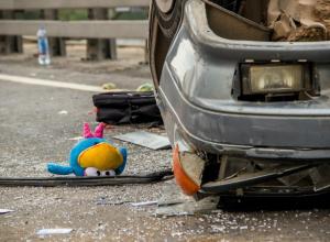 Под Камышином вся семья пострадала в жутком ДТП на трассе