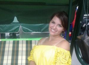 Регнер Ангелина участница  «Мисс Камышин -2017» и «Манекен челлендж» в магазине «Ягуар»