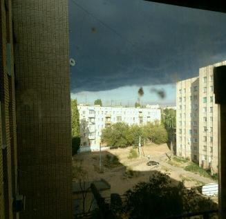 В Камышине из-за пожара в вентиляционной шахте бывшего общежития в 11 квартале ночью эвакуировали 120 человек