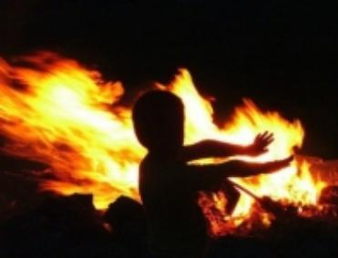 24-летняя ревнивица из города Котово заживо сожгла трех человек, в том числе трехлетнего малыша