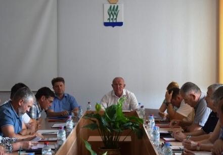 В Камышине «Единая Россия» выдвинула миллионеров в Камышинскую городскую думу по половине одномандатных округов