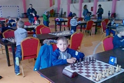 Шахматный талант из Камышина Никита Карулин, которого местные предприниматели  отправили на первенство ЮФО, вошел в ТОП-10 победителей соревнований