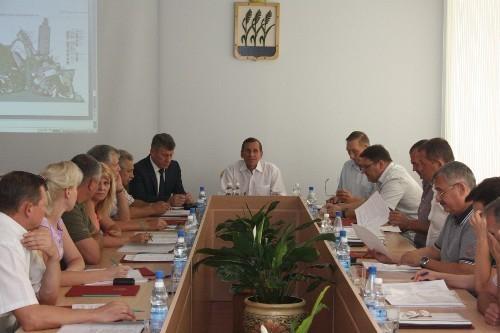 Вслед за Госдумой думы региона и Камышина получили запросы о раскрытии выплат к пенсиям депутатов и чиновников