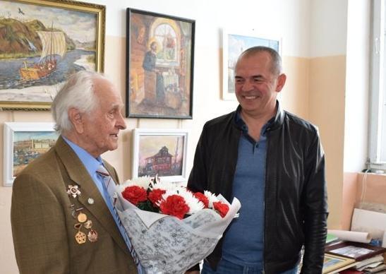 Депутат камышан в Облдуме Дмитрий Крикунов будет заниматься в регпарламенте промышленностью, ЖКХ, а также бороться против коррупции