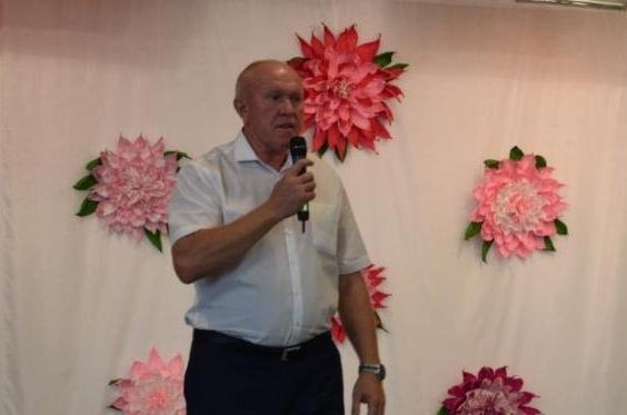 На «сайте» Камышинской городской думы главной составляющей «ленты новостей» является говорение речей штатным спикером Владимиром Пономаревым