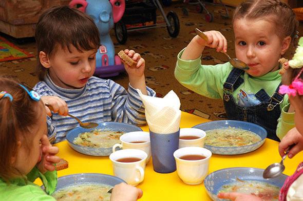 В детском саду Камышина малышей из ясельной группы не водят на прогулки и отправляют спать без обеда