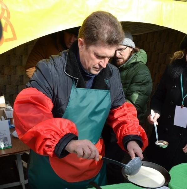 В программе Масленицы в Камышине вновь запланирована площадка, где соревнуются в кухонном  мастерстве высокопоставленные чиновники