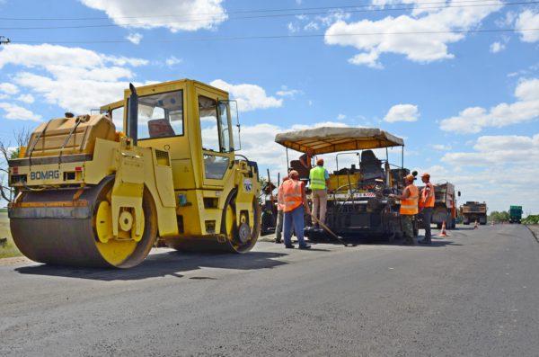 В Камышинском районе дождалось своего часа на ремонт въездной дороги село Барановка