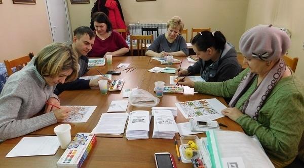 Профессиональный психолог провела тренинг с родителями в группе при Никольском кафедральном соборе Камышина