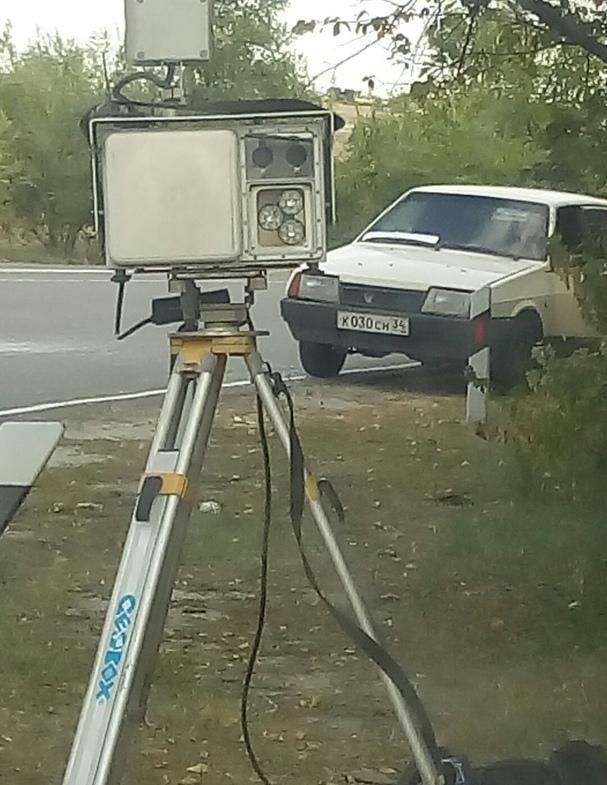 Пользователи соцсетей «разоблачили» под Камышином нестационарную камеру для замера скорости автомобилей
