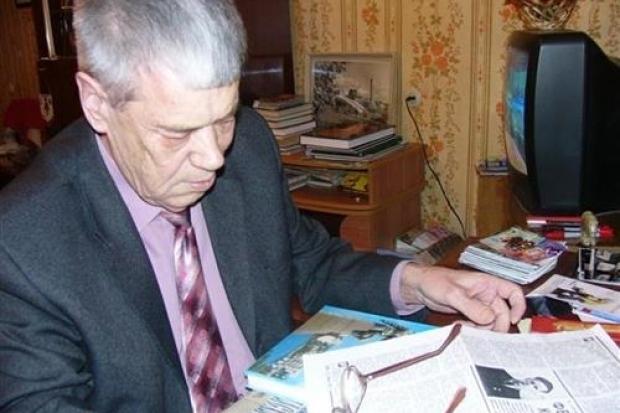 Сайт газеты администрации Камышина «Диалог» воспел главу Станислава Зинченко за бесплатный памятник журналисту Виктору Федоркову