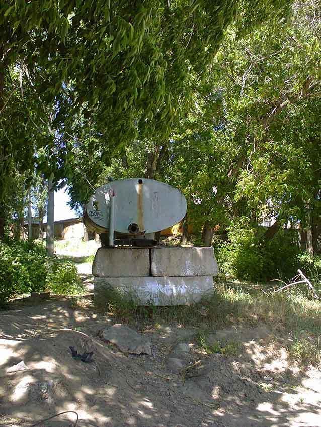 В объектив камышан попала таинственная насосная «точка» для поливальных машин