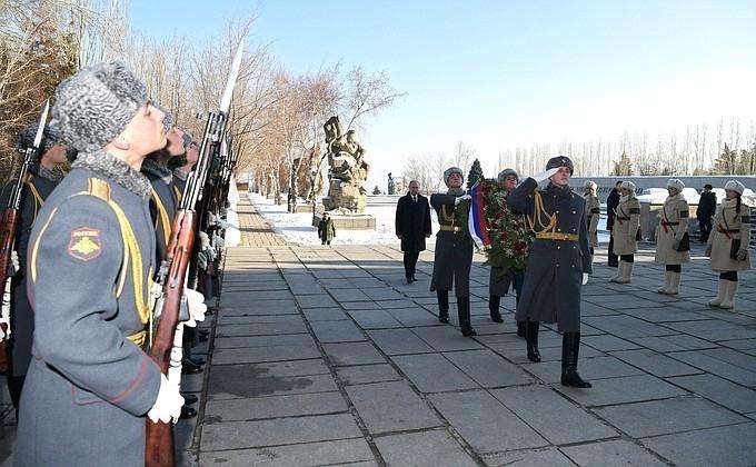 Что сказал Владимир Путин защитникам волжской твердыни во время визита в Волгоград