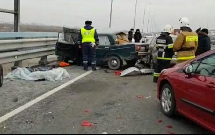 Опубликовано видео с последствиями ДТП на мосту в Волжском, где сегодня утром погибли два человека (ВИДЕО), - «Блокнот Волгограда»