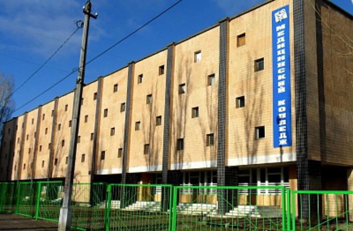Студенты и активисты Камышина намерены добиться безопасности на пешеходном переходе у медколледжа