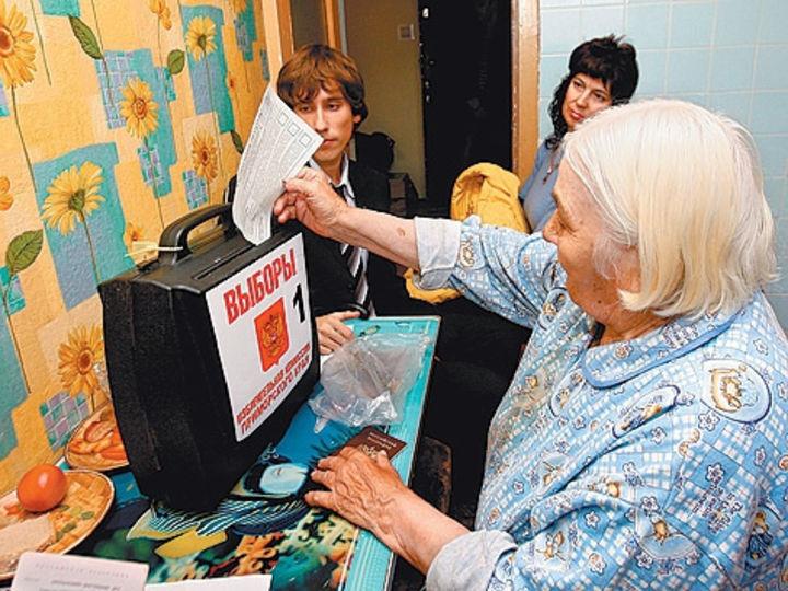 Председатель ТИК Сергей Анихреев дал расплывчатый комментарий  к публикации «Блокнота Камышина» о местной «специфике» голосования на дому