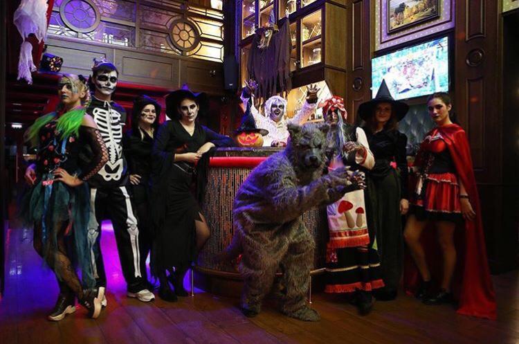 «Отряд самоубийц» и разные нечисти: как горожане празднуют Хэллоуин в ночных клубах Камышина