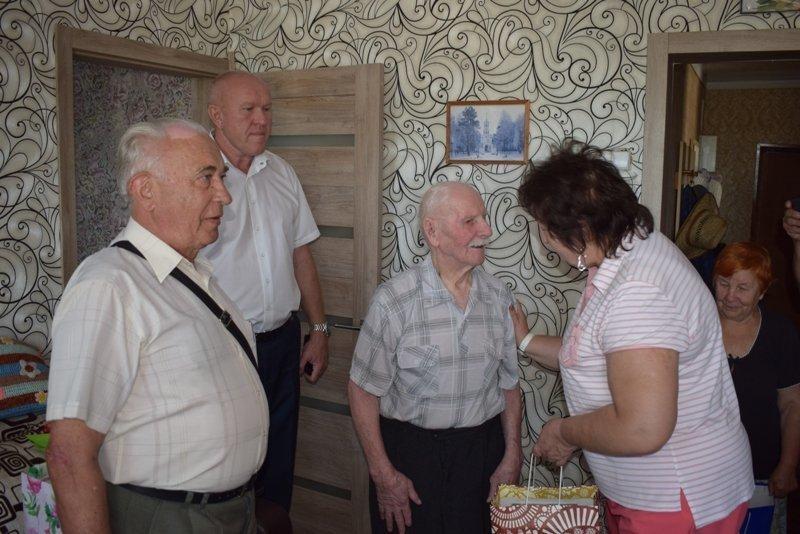 В Камышине солдат Великой Отечественной Фотий Сюзев «как ни в чем не бывало» отмечает 105-й день рождения!