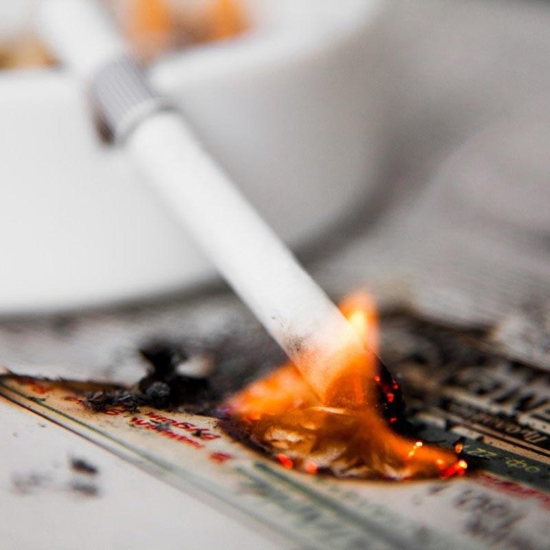 Мужчина сгорел заживо в собственном доме из-за  курения