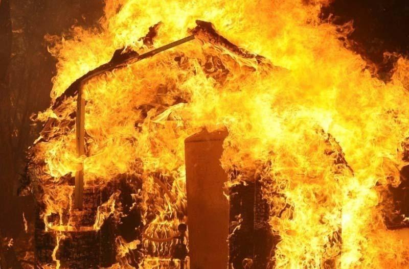 В городе Петров Вал Камышинского района заживо сгорела пожилая хозяйка дома