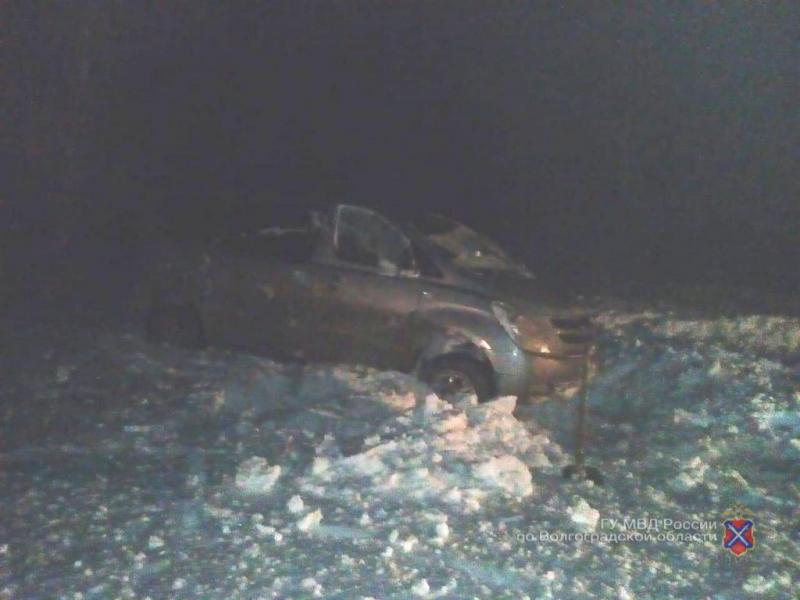 На федеральной трассе под Камышином иномарка улетела в кювет, водитель легко отделался