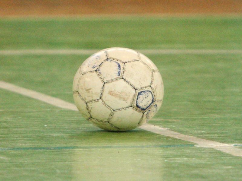 В Камышине прошли соревнования по мини-футболу среди школьников и студентов