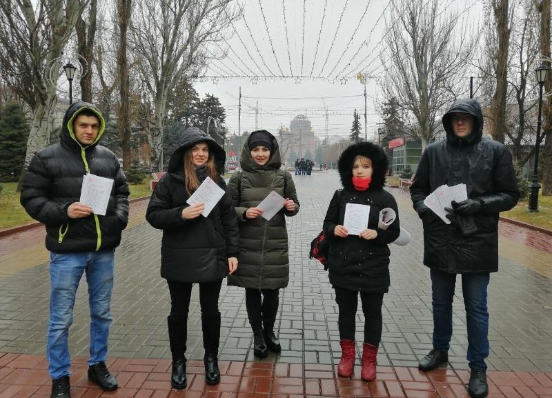 Врачи и пациенты вышли на улицу бороться с системой, - «Блокнот Волгограда»