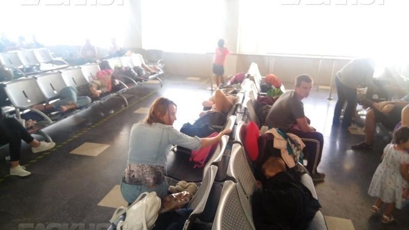 Просидевшие 17 часов в аэропорту Антальи волгоградцы и камышане добрались до дома и готовят иски в суд