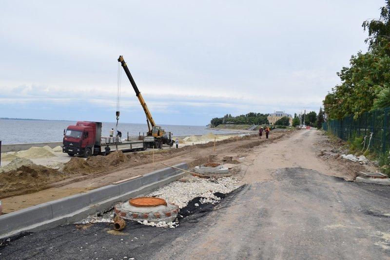 Глава Камышина Станислав Зинченко объявил, что в реконструкции набережной отставания  от графика  нет, и объект будет сдан 1 сентября