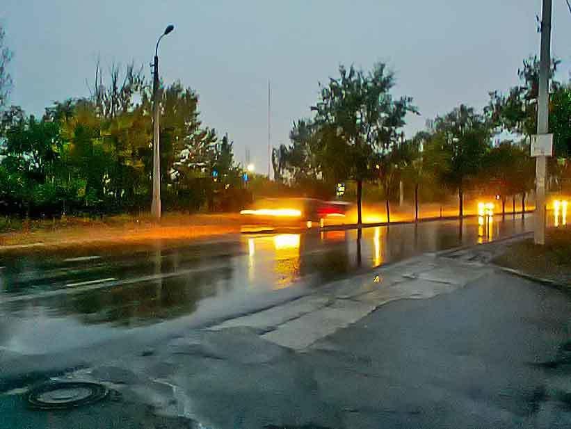 К Камышину приближается настоящий ливень