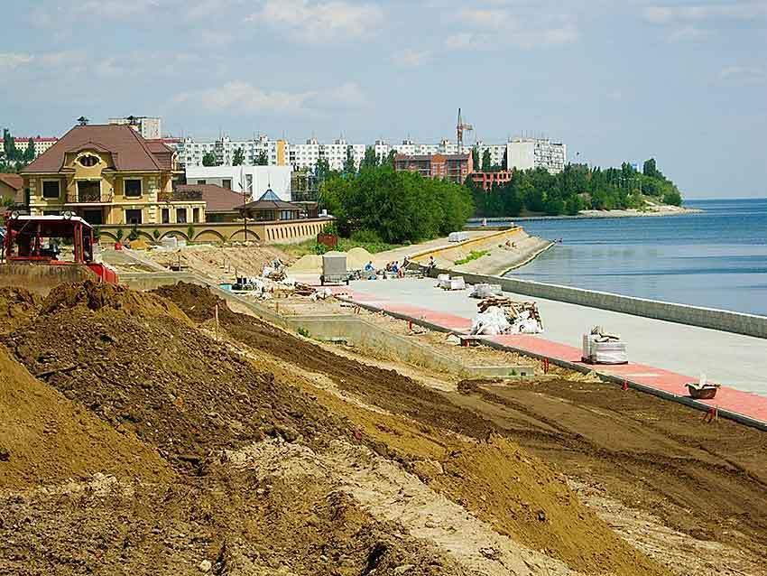 Главный архитектор Камышина Дмитрий Вайрих гарантирует  на набережной дорожки для роллеров, игровой городок и даже туалет