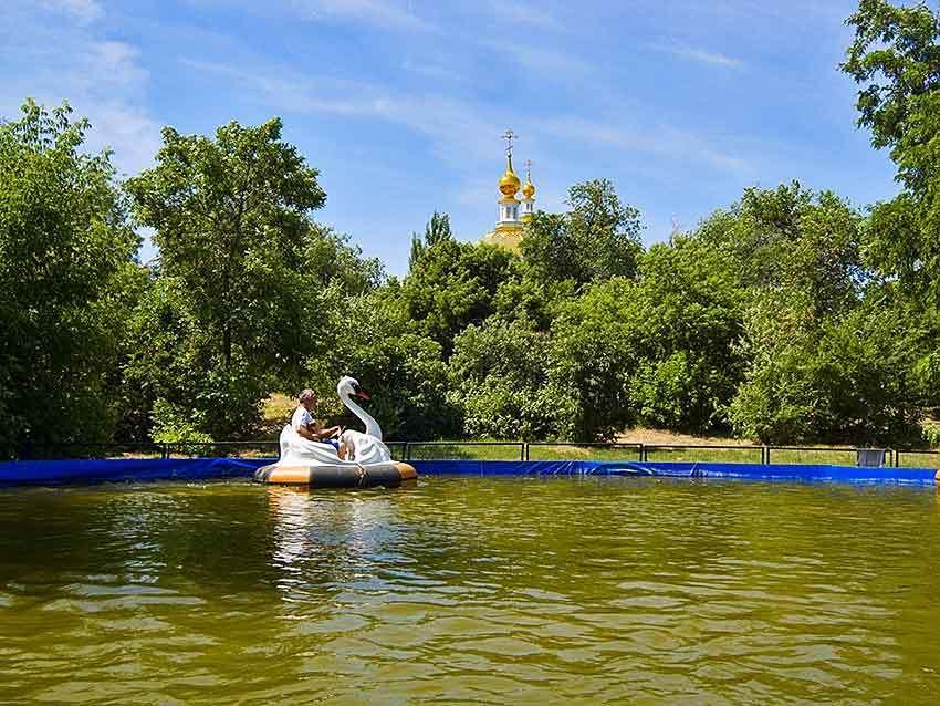 В центральном городском парке Камышина бум на водных аттракционах