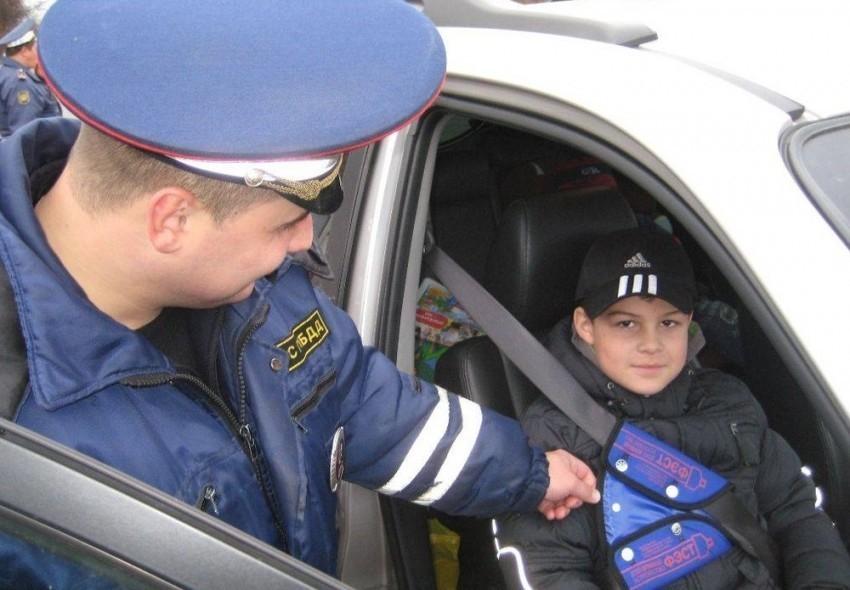 ОГИБДД приглашает молодых камышан на службу с зарплатой от 30 тысяч рублей