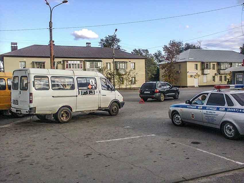 В Камышине на «Молодежной» произошло небольшое ДТП