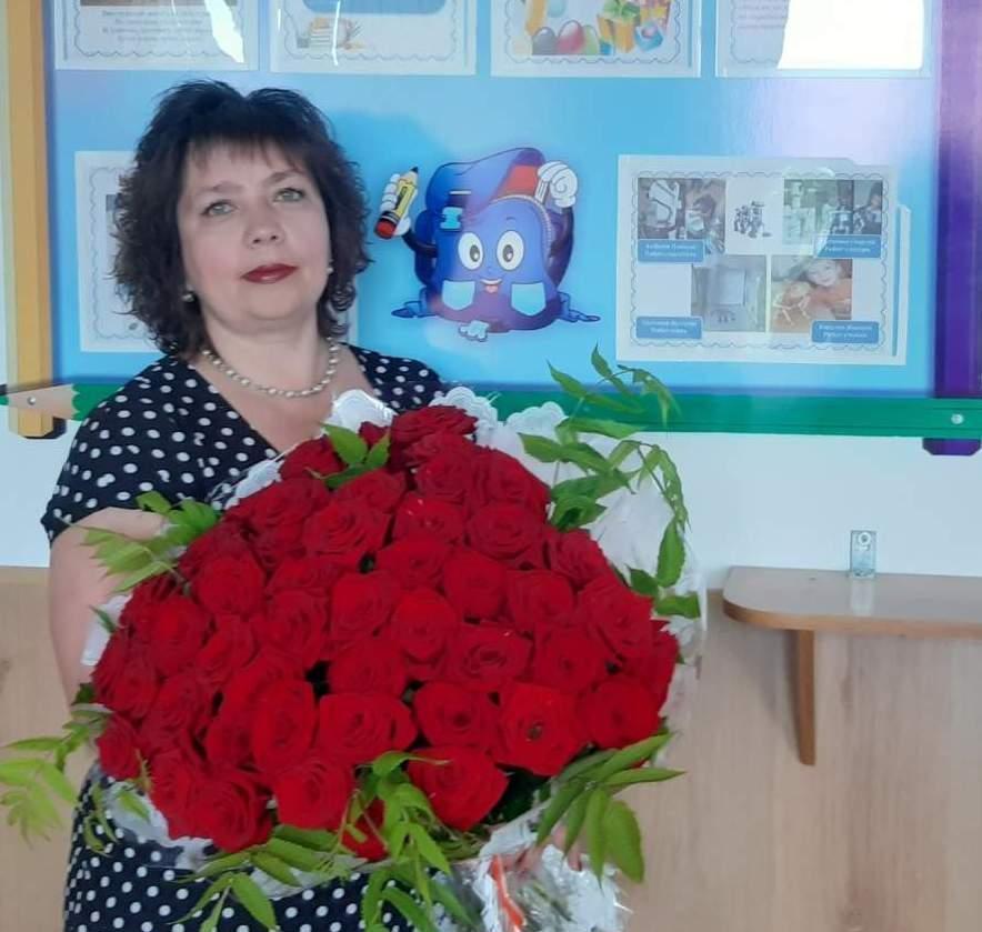 Обладатель президентской премии, камышинский педагог Алевтина Толкунова учит ребят в том кабинете, где работала ее мама