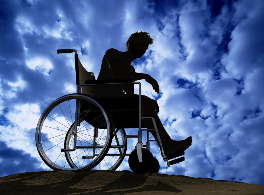 Мучения инвалидов-колясочников в Камышине сняли на видео, - портал «Высота 102»