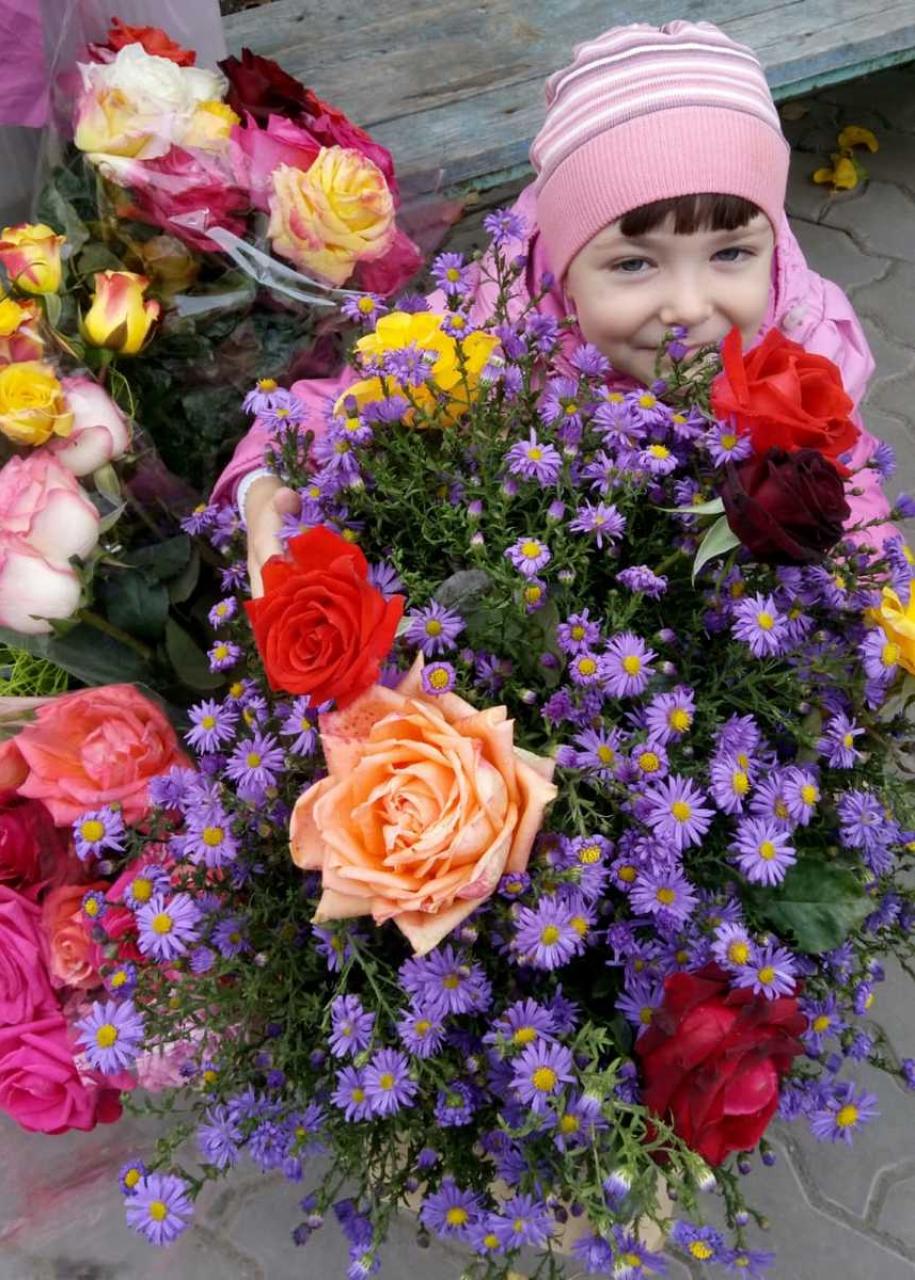 Конкурс «Блокнота Камышина» «Детки - конфетки»: «Цветов много не бывает»