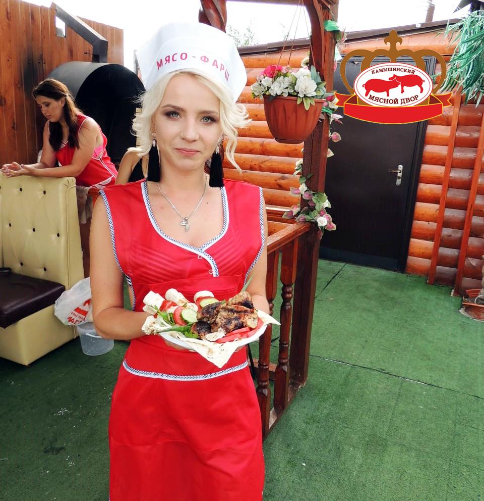 Шашлык «Черная борода» приготовила участница конкурса «Мисс Блокнот»  Евгения Родыгина