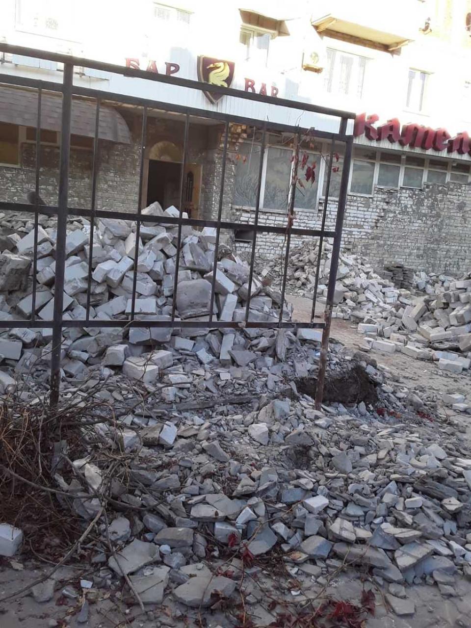 В Камышине от знаменитого ресторана «Камелот» осталась только груда мусора