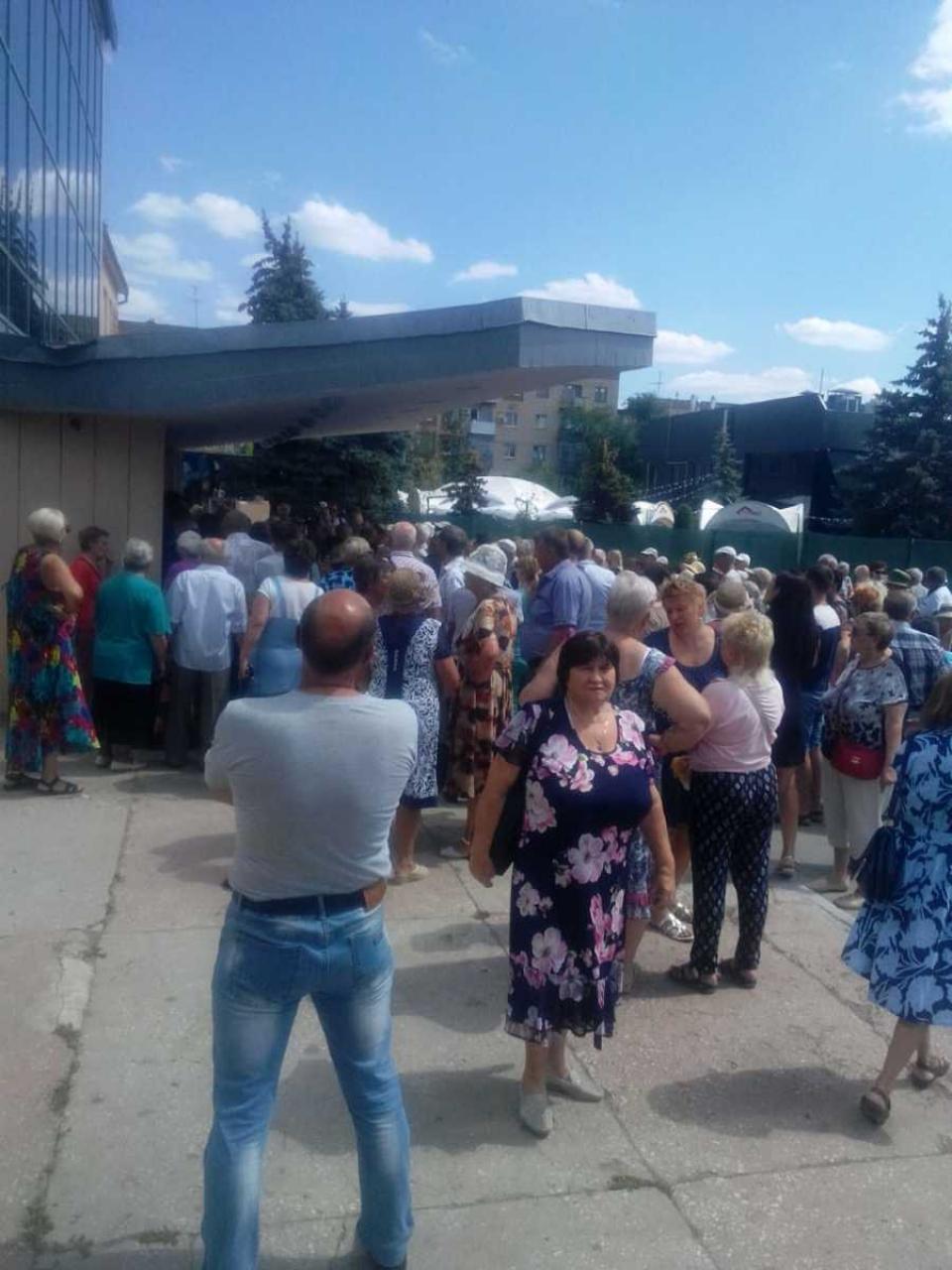Без камер и документов руководитель КПК «Честь» много чего наобещал пайщикам, - «Блокнот Волгограда»