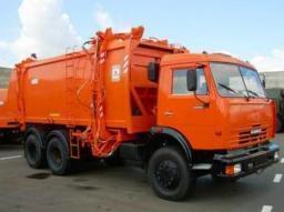 В Камышине выходит на маршруты еще один мусоровоз