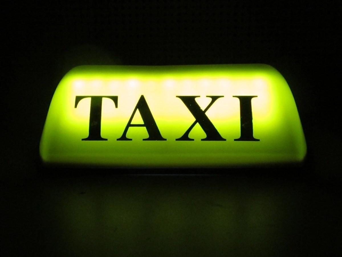 В Камышине дорожные полицейские побеспокоили таксистов-нелегалов