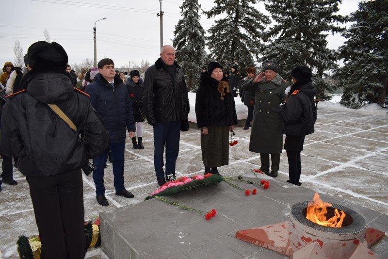 Камышин вместе со всей страной почтил память Неизвестного солдата